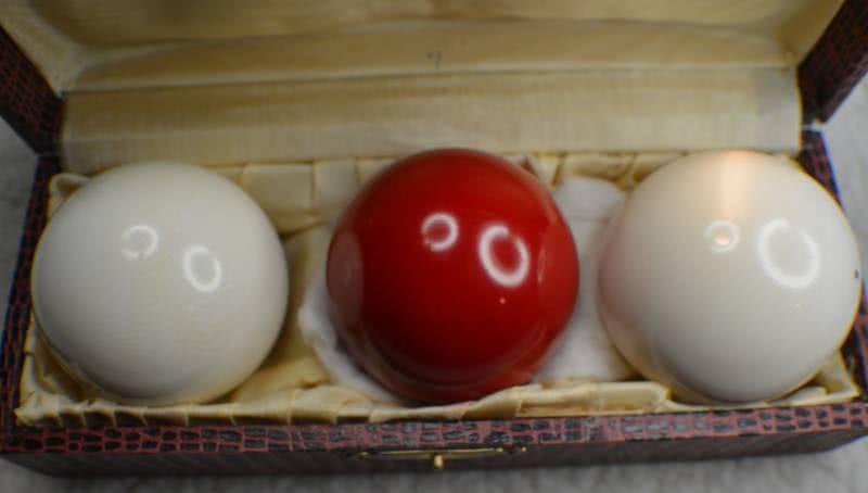 "Antique Clear ""Highest Grade"" Ivory Billiard Ball Set 2"